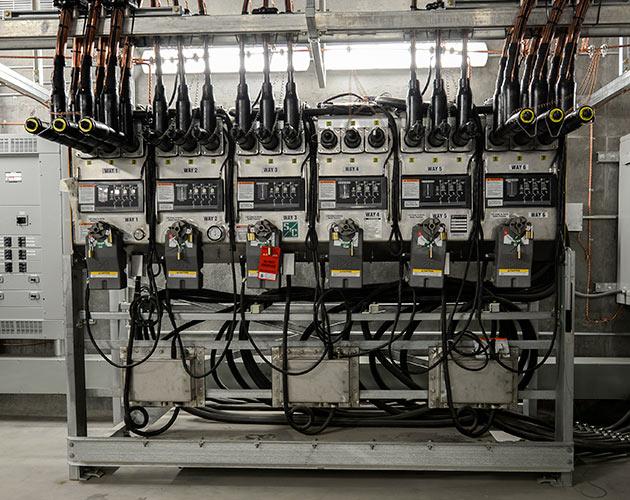 Vista underground distribution switchgear for Terminal exterior 15 kv